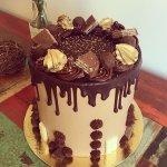 Torta drip de chocolate